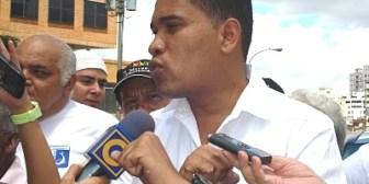Director de semanario opositor a Chávez es liberado