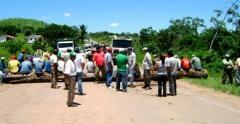 Pueblo Weenhayek masifica bloqueos en rutas hacia Santa Cruz y el Paraguay