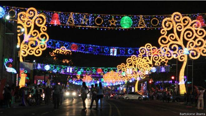 Adornos De Navidad En Managua