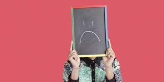 9 cosas absurdas que haces constantemente y no te dejan ser feliz