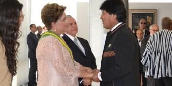 Evo y Dilma se reunieron a su llegada a París