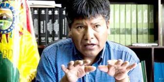 """Gobernador de Oruro hace campaña """"abierta y abusiva"""" por el Sí, denuncia oposición"""