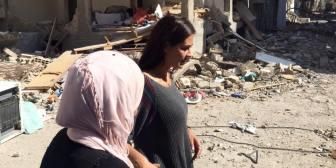 Las impactantes fotos de Carla Ortiz en Siria