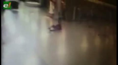 Video: Así abatieron a un atacante del aeropuerto de Estambul antes de que active un explosivo