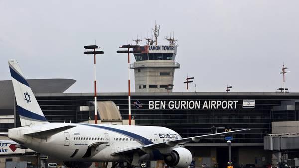 El avión de la aerolínea El Al pudo aterrizar sin problemas en el aeropuerto Ben Gurion, cerca de Tel Aviv. / Reuters
