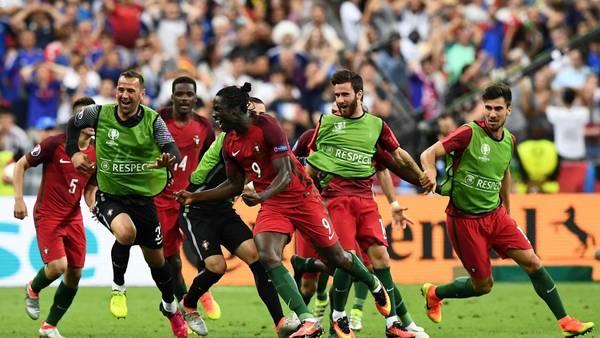 Edercelebra su gol en el suplementario. / AFP PHOTO / FRANCK FIFE