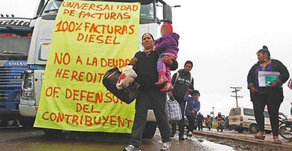 rumbo al paro indefinido si no atienden sus requerimientos habrá medidas Los transportistas, como medida de presión, bloquearán las vías del país