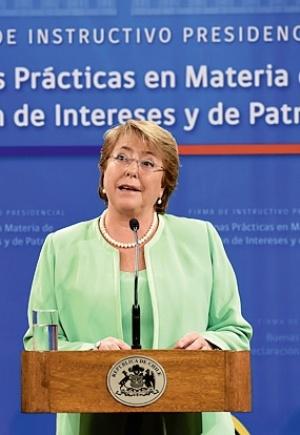 """Al ser una visita """"privada"""", Bachelet dice que comisión boliviana no podrá inspeccionar puertos"""
