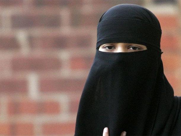 ISIS: yihadistas buscan salir de urbe siria disfrazados de mujeres