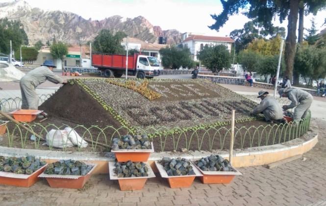 Las empresas privadas pueden adoptar una plaza de La Paz para cuidarla