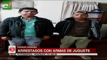 Dos sujetos fueron arrestados con armas de juguete