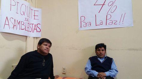 Los asambleístas Emilio Yanahuaya y Cacho Herrera ingresaron en huelga.