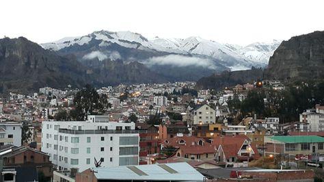Anoche llovió y cayó nevada en La Paz. Foto: Rubén Ariñez