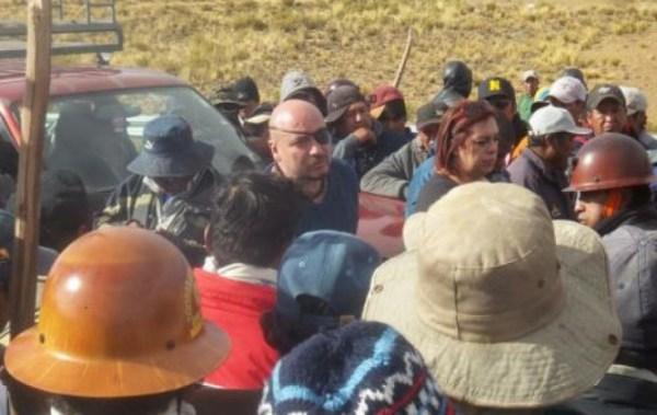 Defensoría del Pueblo identifica excesos de policías y mineros y reitera pedido de tregua