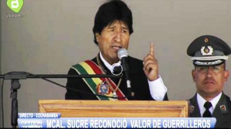Morales en el acto de la Escuela de Sargentos en Cochabamba