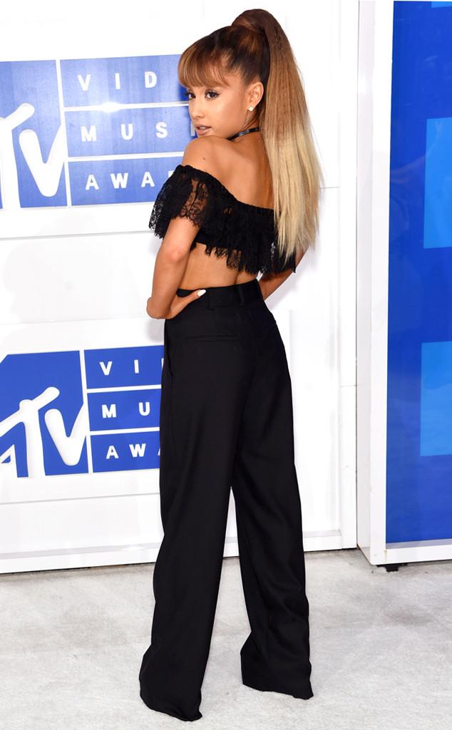 Ariana Grande, 2016 MTV VMAs