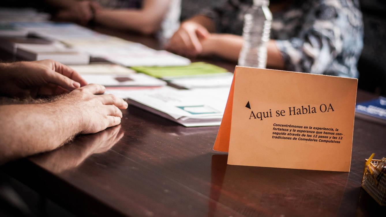 Foto: Una reunión de Comedores Compulsivos (OA por sus siglas en inglés) esta semana. Foto: Carmen Castellón