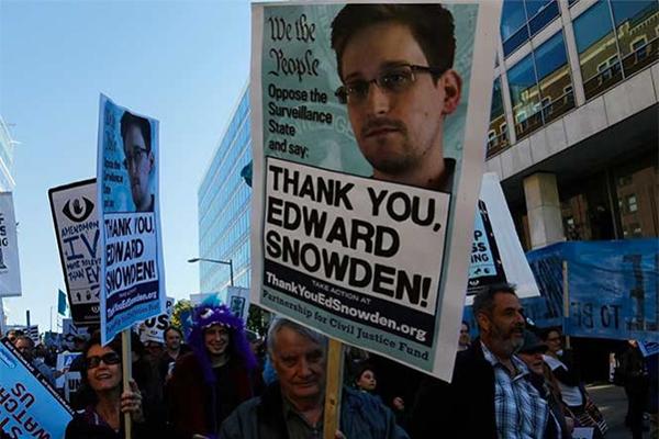 Pide Edward Snowden perdón a Barack Obama