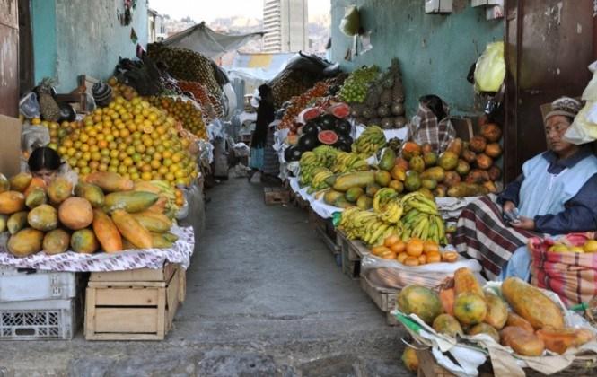 La Alcaldía analiza creación de una cadena de mercados campesinos en La Paz