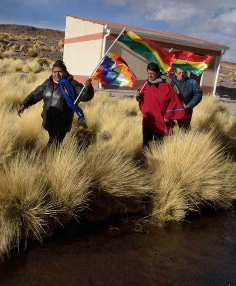 Legisladores bolivianos visitan el Silala. Foto: La Razón