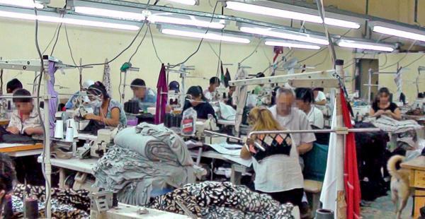 Muchos nacionales son explotados en talleres de costura en Buenos Aires