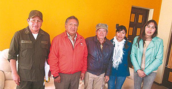 José Tejerina, jefe de la Policía de Frontera, y otras autoridades