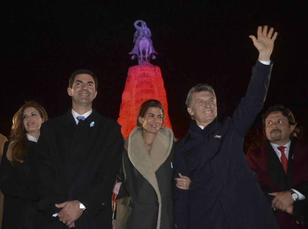 Urtubey y Macedo junto a la pareja presidencial en un acto en Salta.