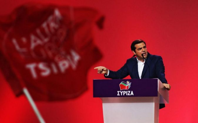 Resultado de imagen para Alexis Tsipras reelegido como líder de Syriza