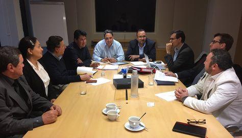 El procurador Héctor Arce y el ministro de Obras Públicas, Milton Claros