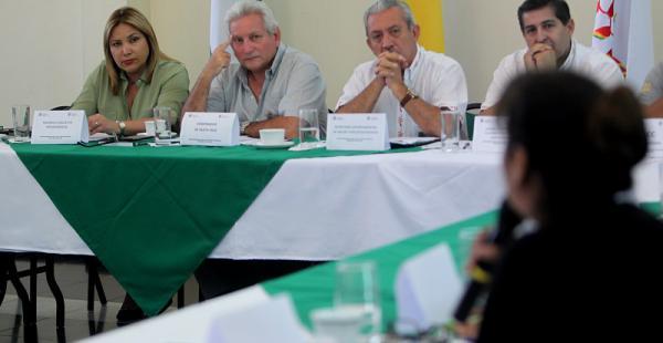 Rubén Costas en la reunión con las instituciones