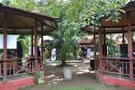Gazebo FH-UH diisi sejumlah stan oganisasi pada acara public sevice day, Selasa (29/4).