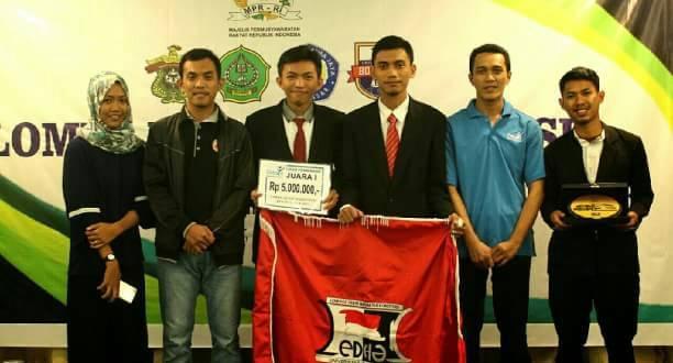 Tim FH-UH Memenangkan Kompetisi Debat Konstitusi MPR RI Tingkat Provinsi