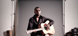 Gurrumul: Penyanyi Kulit Hitam Pujaan Dunia