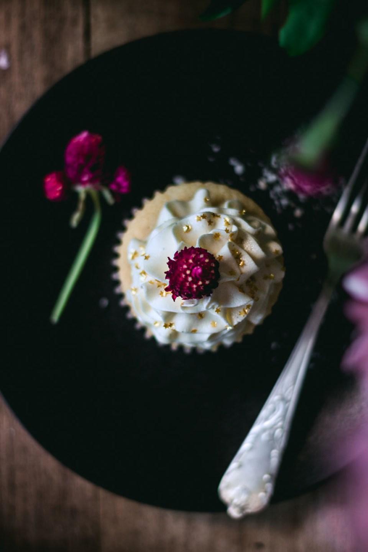 vanilla_bean_cupcakes-3100