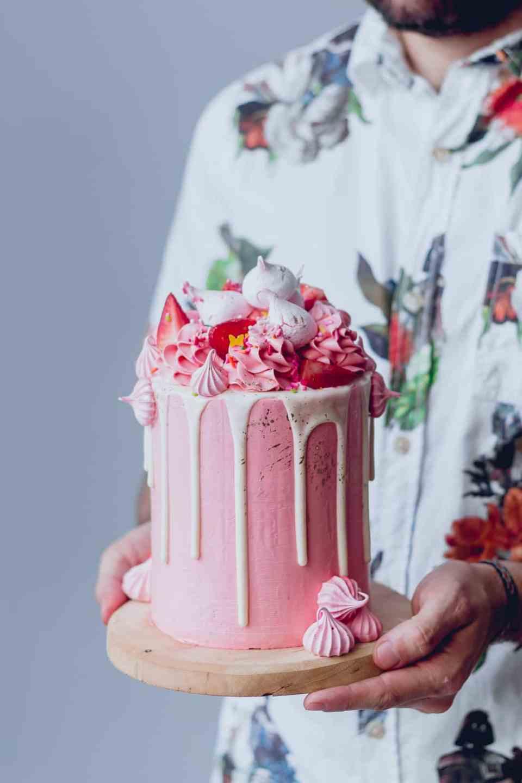 pink_strawberry_cake_-4089