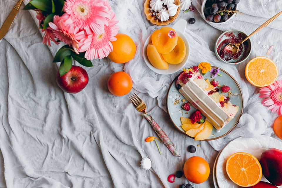 raspberry_peach_cake_-5300