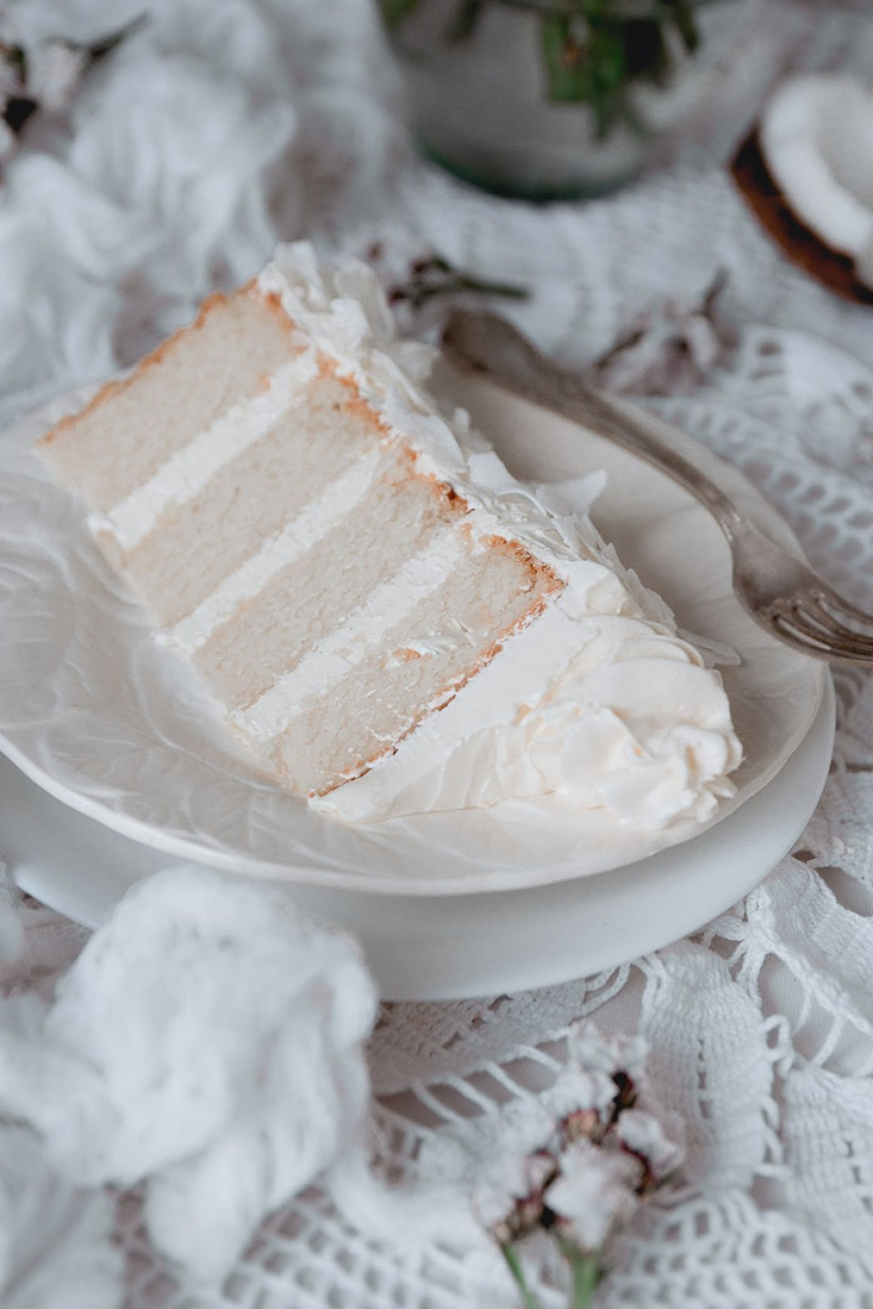 white_coconut_cake_-7554