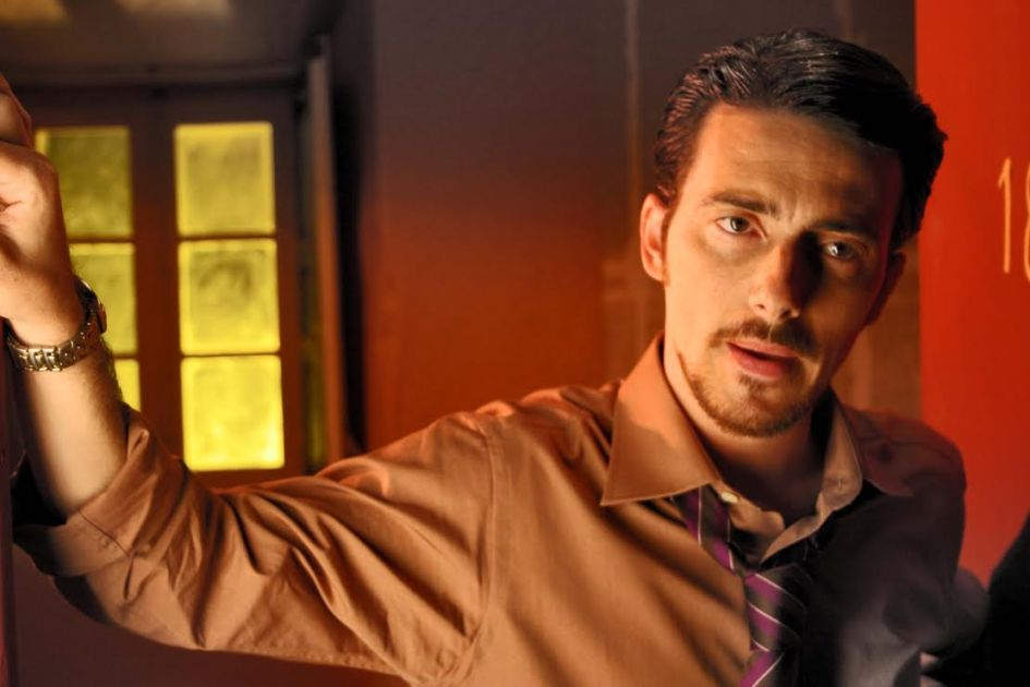 Víctor Clavijo_Actor_Amanecer en Asia_Dionisio Galindo_1_Nada Personal_El Club del Escenario