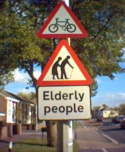 Elderly Cossing hoto
