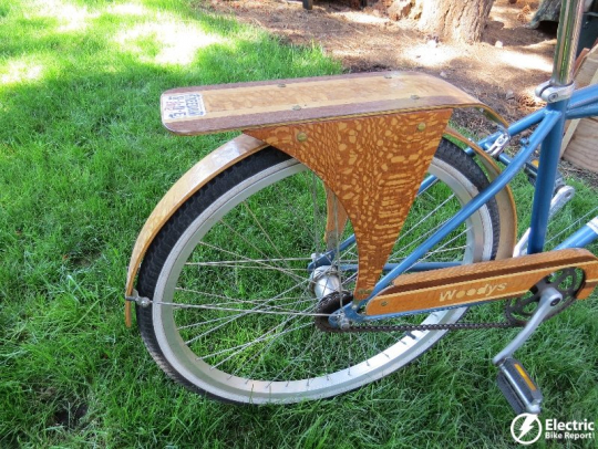 The wooden rear rack