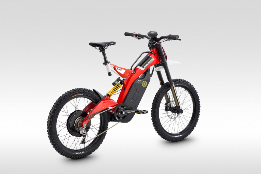 Brinco in red
