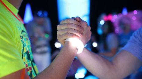 ER hand shake
