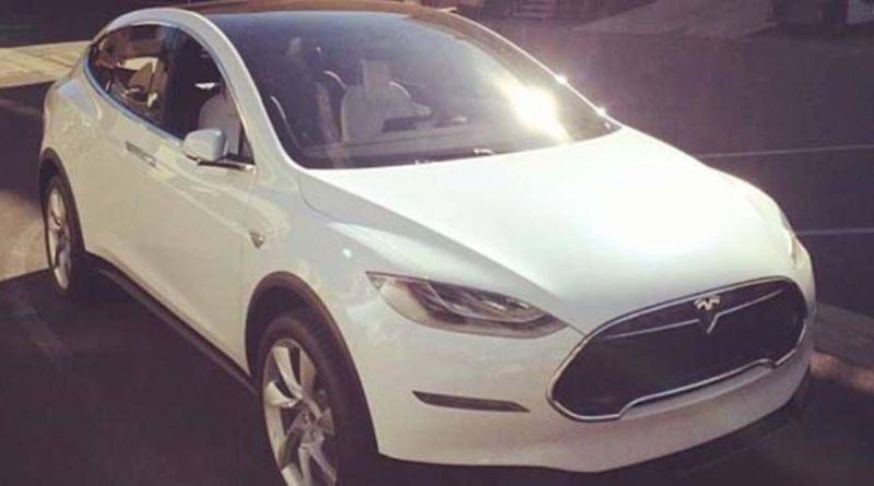 Los vehículos eléctricos que llegarán en 2015. Tesla Model X 2015 blanco