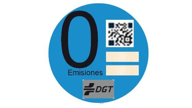"""Todo sobre el distintivo """"Cero Emisiones"""" de la DGT. Pegatina DGT coches eléctricos"""