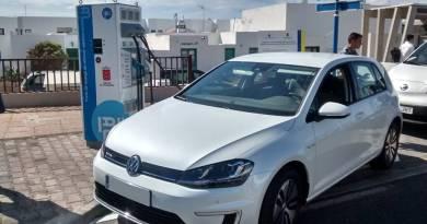 Seis nuevos puntos de carga en la isla de Fuerteventura. Lanzarote contará con puntos de recarga rápida. Punto de recarga rápida para coches eléctricos IBIL. vehículos eléctricos Lanzarote