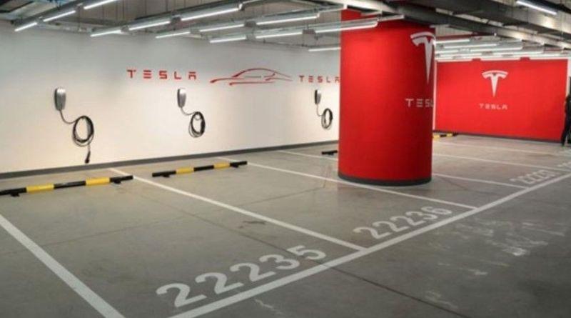 """Tesla lanza el nuevo programa de recargas """"Workplace Charging"""". Tesla lanza el nuevo programa de recargas """"Workplace Charging"""". Como montar un Tesla Destination Charging en mi negocio. Tesla Destination Charging. Punto de recarga Tesla en mi negocio."""