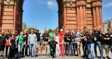 80eDays vuelta al mundo en vehículo eléctrico comienza en Barcelona. Salida desde el Arco de Triunfo en Barcelona