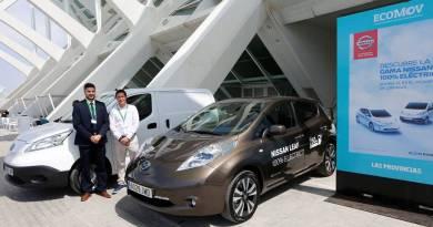 Nissan llevó sus vehículos eléctricos al ECOMOV. Nissan LEAF y Nissan e-NV200