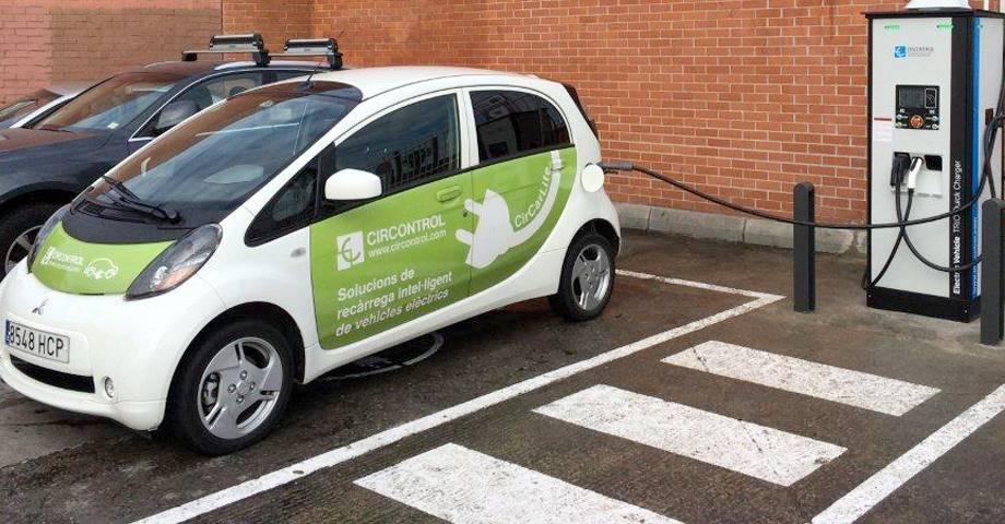 Cataluña instalará más de 21.000 puntos de carga de vehículos eléctricos