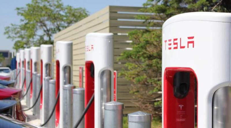 Así funciona el nuevo acceso a la red de Supercharger Tesla. Tesla inaugura el Supercharger número cien en China